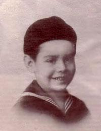 Paixão Côrtes aos cinco anos.